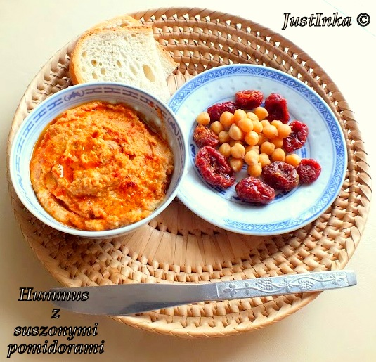 hummus z pomidorami1